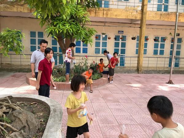 Thăm trung tâm trẻ khuyết tật Hà nội nhân dịp ngày 1/6/2020